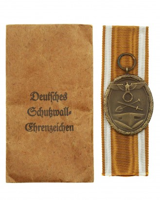 © DGDE GmbH - West Wall Medal with Paper Pocket of Issue