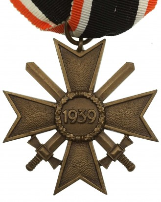 © DGDE GmbH - 2nd Class with War Merit Cross with Swords