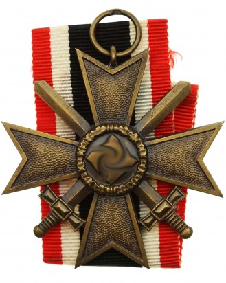 © DGDE GmbH - 2nd Class with War Merit Cross with Swords by 14