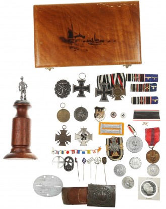 © DGDE GmbH - Grouping of Medals and Badges, German