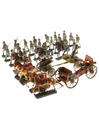 © DGDE GmbH - Collection of military toys (Lineol)