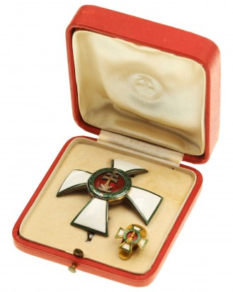 © DGDE GmbH - Орден за заслуги в Венгрии [1. Модель 1922-1944] офицерский крест
