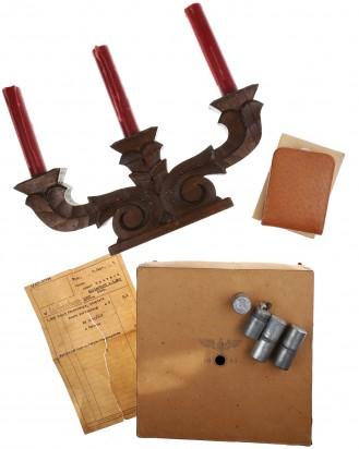 © DGDE GmbH - Kerzenständer mit 3 Feuerzeugen und Zigarettenetui