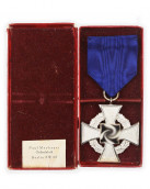 Faithful Service Medal 25 by Paul Meybauer Ordenfabrik Berlin SW 68