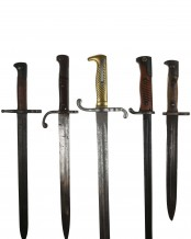 5x Bayonets without scabbards