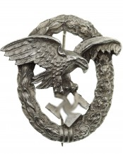 Luftwaffe Observer's Badge by Schwerin Berlin 68