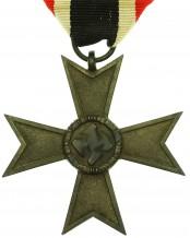 Крест «За военные заслуги» 2-й класс - 41 (Geb. Bender)