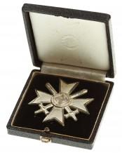 Kriegsverdienstkreuz mit Schwertern 1.Klasse 1939 im Etui - 43
