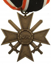 Kriegsverdienstkreuz mit Schwertern 2. Klasse 1939 am Band