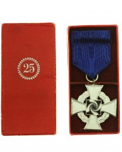 Faithful Service Medal 25 in a case by Paul Meybauer Ordenfabrik Berlin SW 68